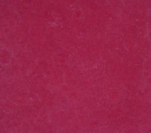 Купить CLICK FORBO, на замках (Голландия) Мармолеум Click Forbo (Клик Форбо), Raspberry, плитка, 763 879  в Екатеринбурге